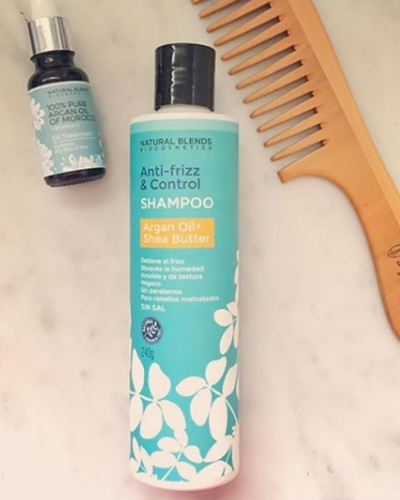 Combo set shampoo argan aceite de argan y peinilla de madera NATURAL BLENDS